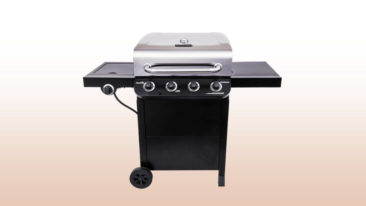 char-broil performance 4-burner isolated