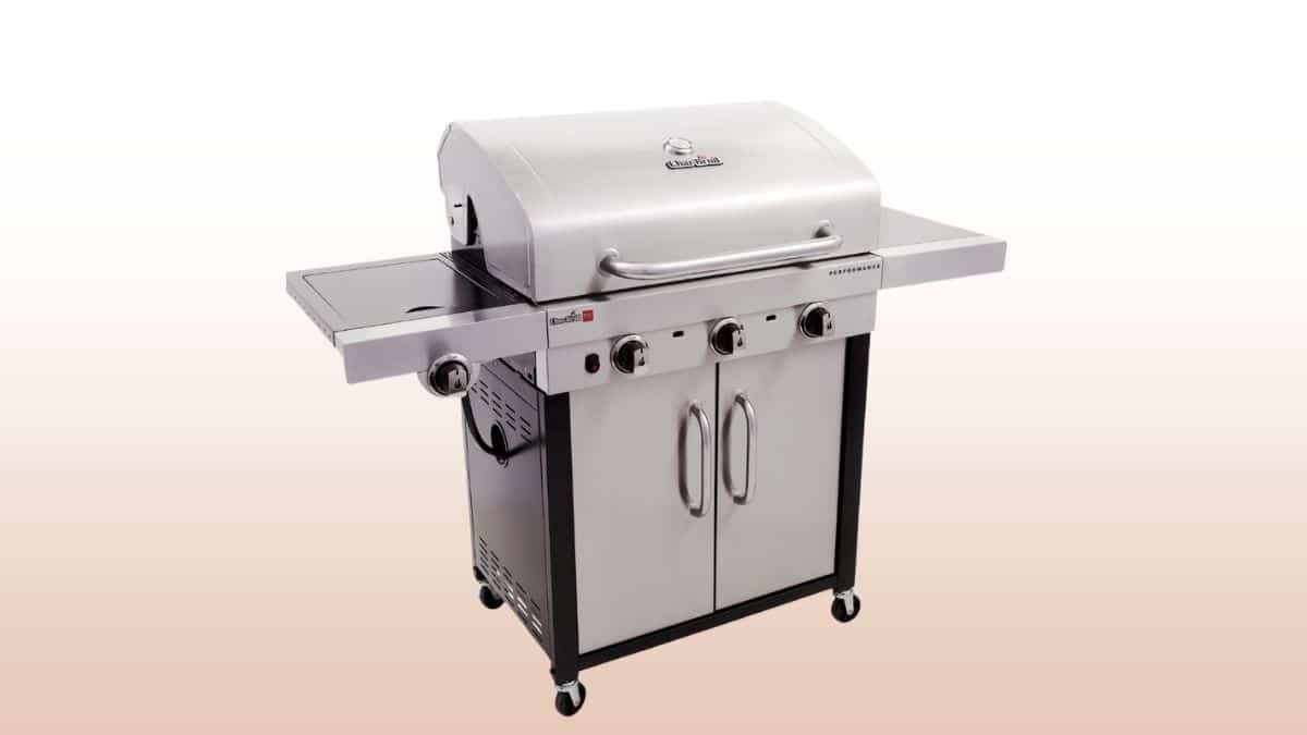 char broil tru-infrared 3 burner gas grill isolated